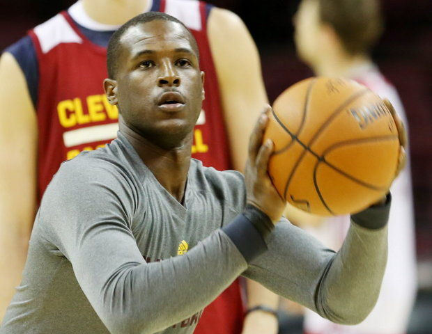 Dion Waiters shooting a freethrow in practice