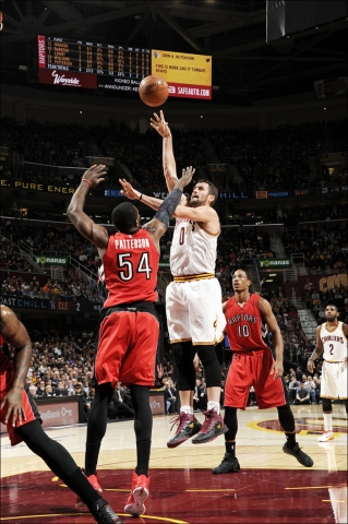 Kevin Love shooting a hook shot