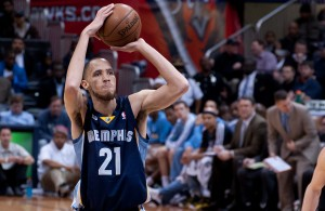 Tayshaun Prince of the Memphis Grizzlies shooting a freethrow
