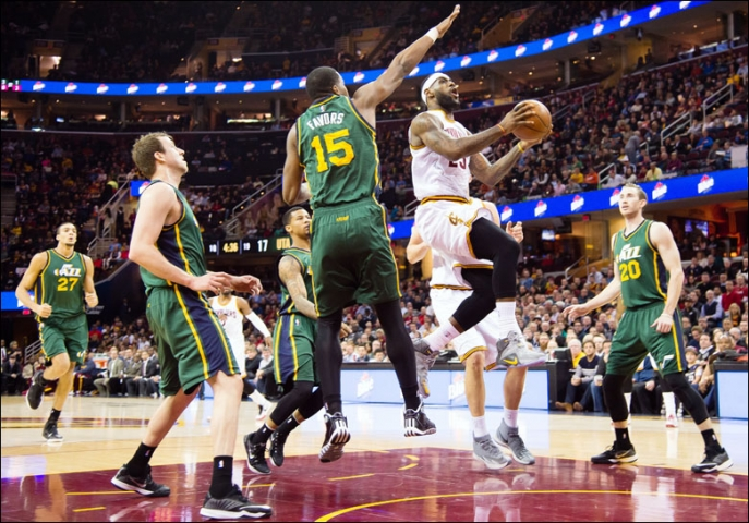 LeBron James driving against Utah Jazz on January 21, 2015