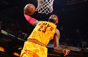 LeBron James dunking against the Phoenix Suns on January 13, 2015