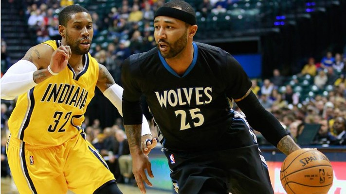 Mo Williams against the Indiana Pacers on January 13, 2015