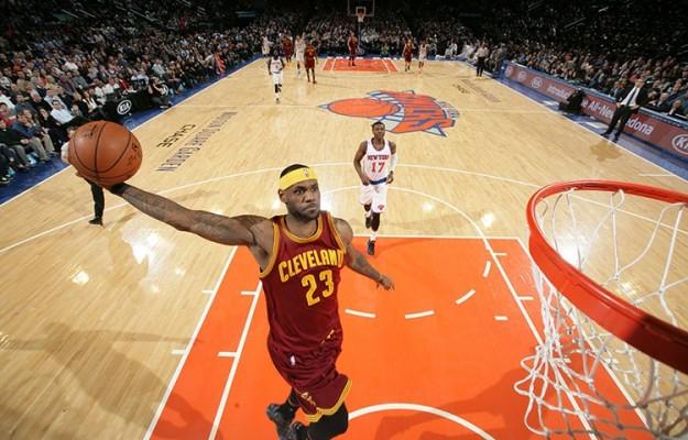 LeBron James vs. New York Knicks on February 22, 2015