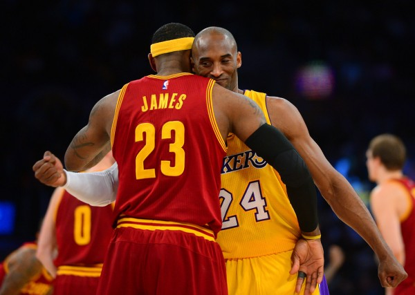 Kobe Bryant Defends LeBron James on Twitter