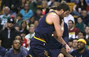 Kevin Love shoulder injury against Boston Celtics