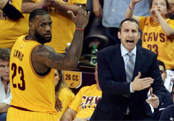 David Blatt coaching the Cavs
