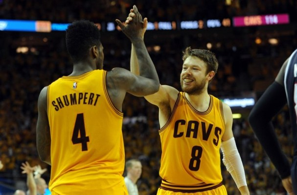 Cavs News: Cavaliers Extend Qualifying Offers to Iman Shumpert and Matthew Dellavedova
