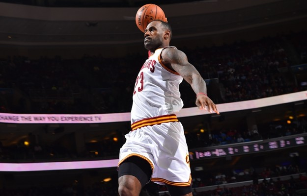 James Eclipses 25,000 as Cavs Win 3rd Straight