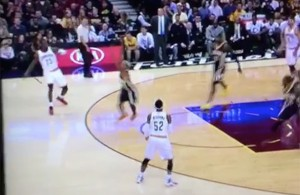 Video: LeBron James Makes Ridiculous Left-Handed Pass