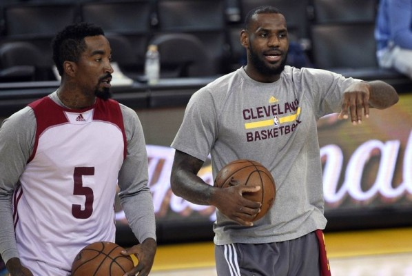 J.R. Smith and LeBron James practice