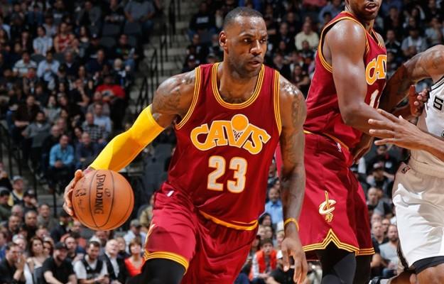 LeBron James vs. San Antonio Spurs on January 14, 2016