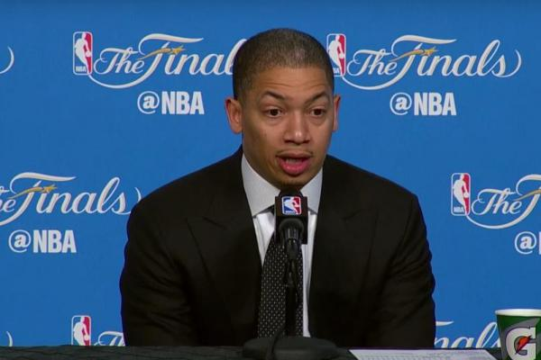 Tyronn Lue Cavs NBA Finals
