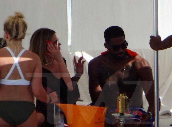 Tristan Thompson and Khloe Kardashian vacationing in Mexico