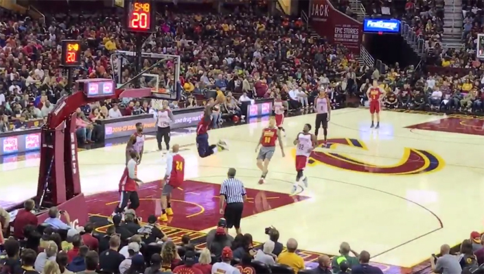 Kyrie Irving alley-oop to iman Shumpert