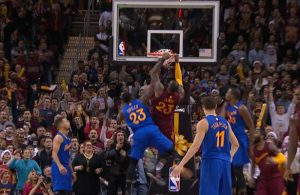 LeBron James Dunk on Warriors