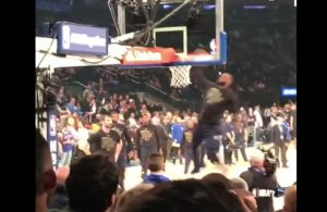 LeBron James Dunk Contest vs. Knicks