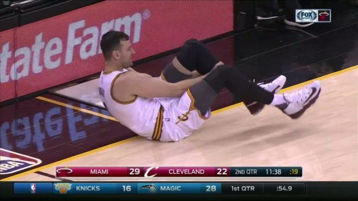Andrew Bogut Cavs Injury
