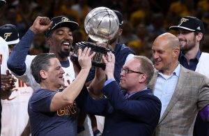 Report: Dan Gilbert Prepared to Offer David Griffin Contract Extension