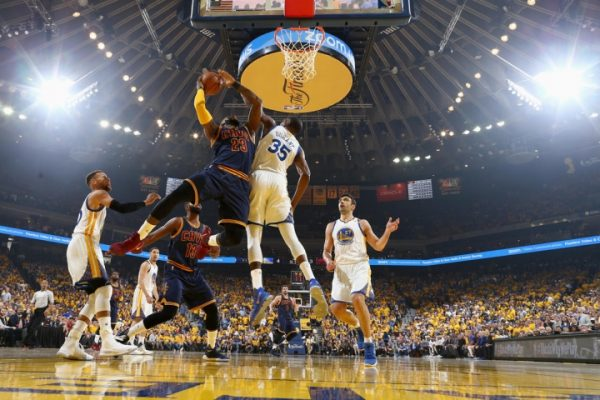 Kevin Durant leads Warriors' Game 1 rout of the Cavaliers