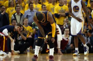 Report: Cavs Point Guard Kyrie Irving Dealing With Knee Injury