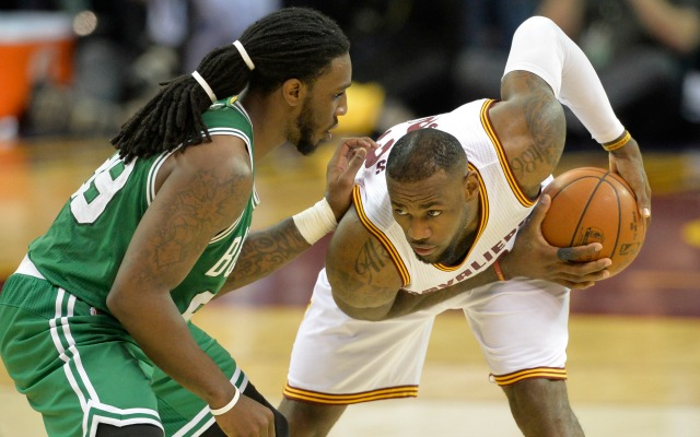 'I'll be back' says Thomas as Celtics-Cavs wrangle