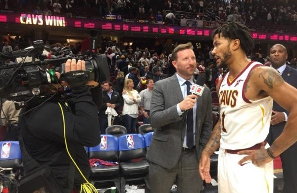 9a1926424d2 Derrick Rose Reacts to LeBron James  Incredible Opening Night Performance