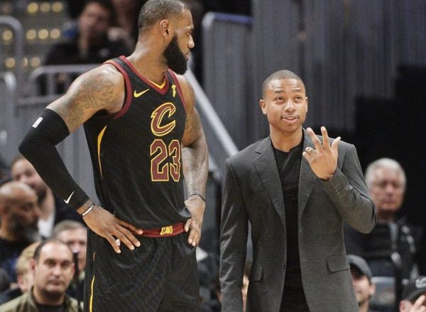 Streaking Cavs survive James' first career ejection