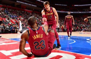 LeBron James, Kyle Korver, Cavs