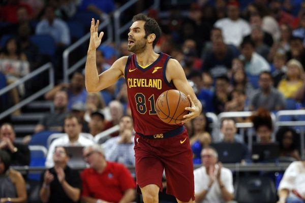 Hot shooting helps Cavaliers roll past Pistons