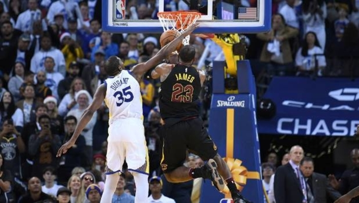 Kevin Durant Fouls LeBron James