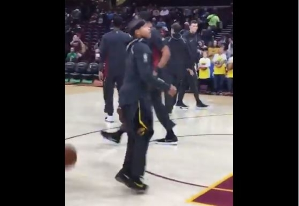 Isaiah Thomas Warming Up With Cavs