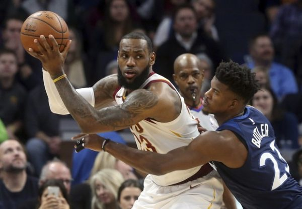 Thomas starts, scores 19 as Cavs hold off Magic