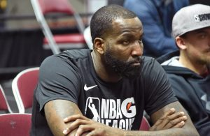 Report: Kendrick Perkins Expected to Sign With Cavs