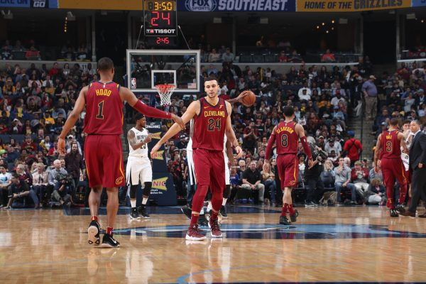 LeBron has triple-double as Cavs send Grizzlies to 8th straight loss