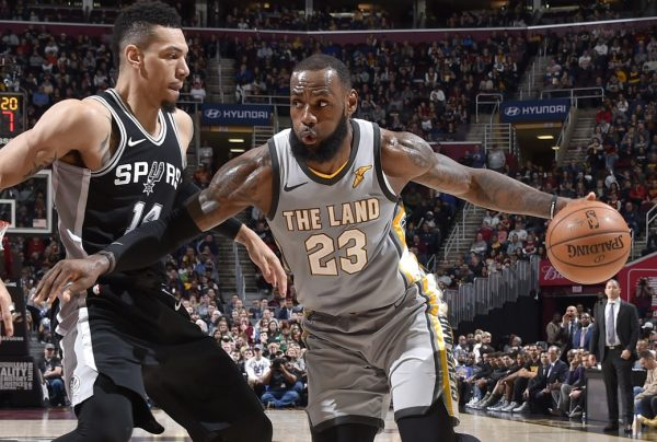 Danny Green and LeBron James Spurs Cavs