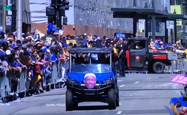 Golden State Warriors Troll LeBron James at Championship Parade