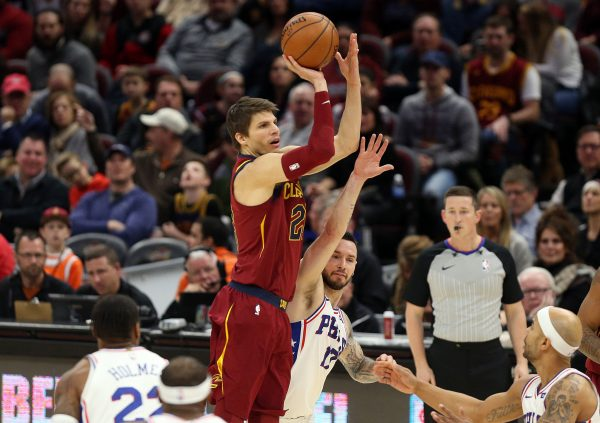 Cleveland Cavaliers, Philadelphia 76ers discuss Kyle Korver for Jerryd Bayless trade