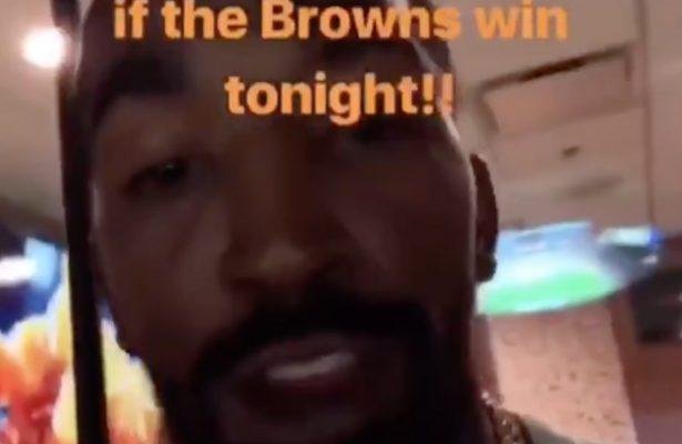 Shirtless J.R. Smith Browns
