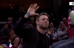 Matthew Dellavedova Receives Rousing Ovation