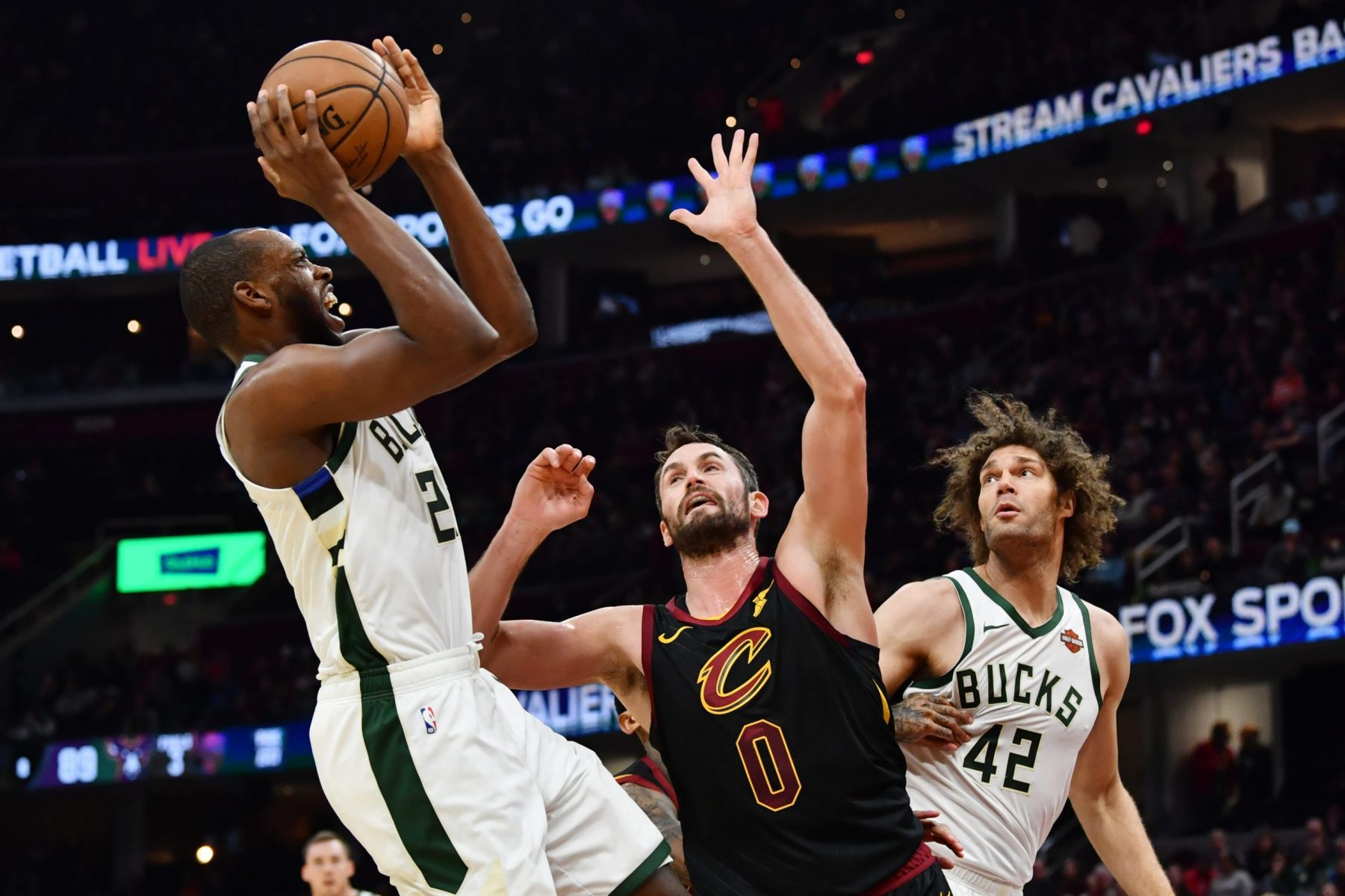 Kevin Love, Sterling Brown and Robin Lopez