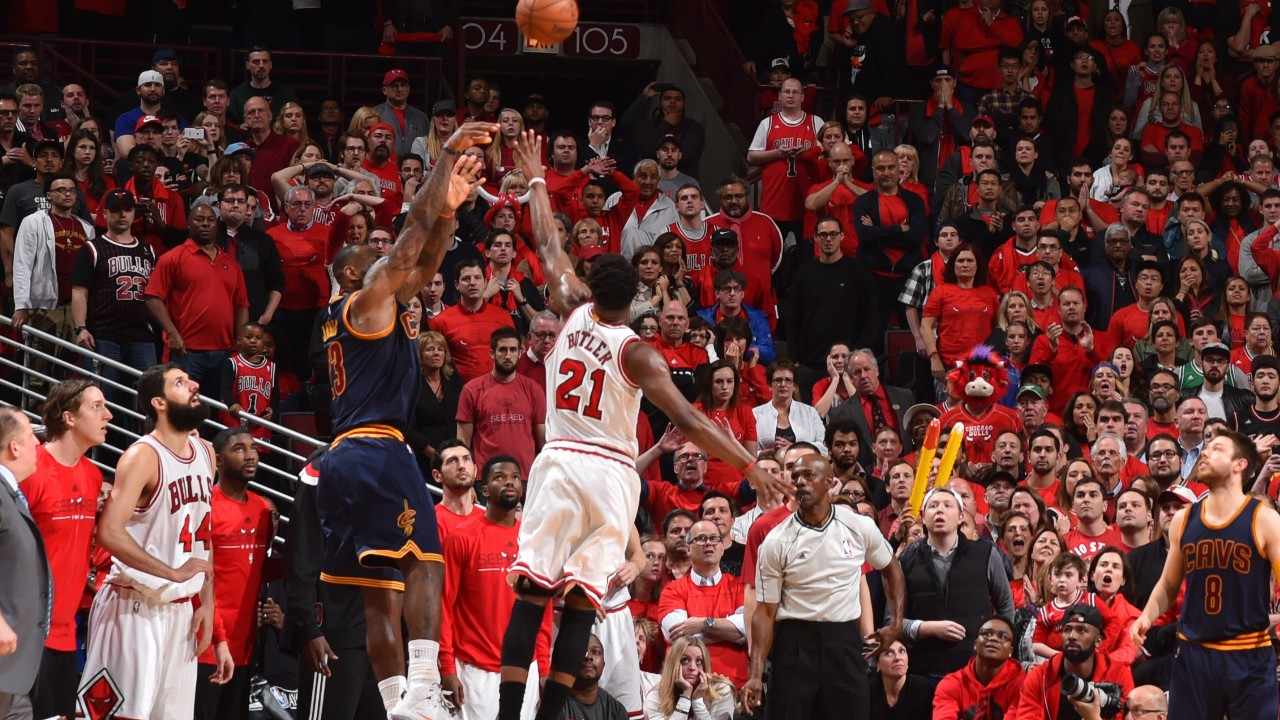 LeBron James Buzzer-Beater Chicago Bulls
