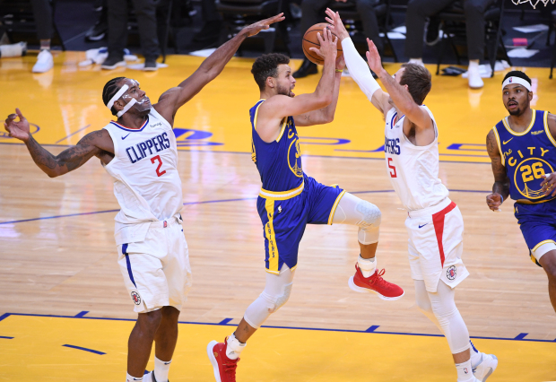 Stephen Curry scores 30 after career night, Warriors beat Kings